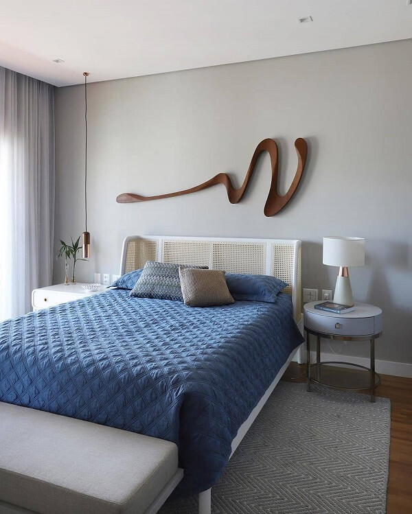 Traga movimento para a decoração incluindo uma escultura de parede