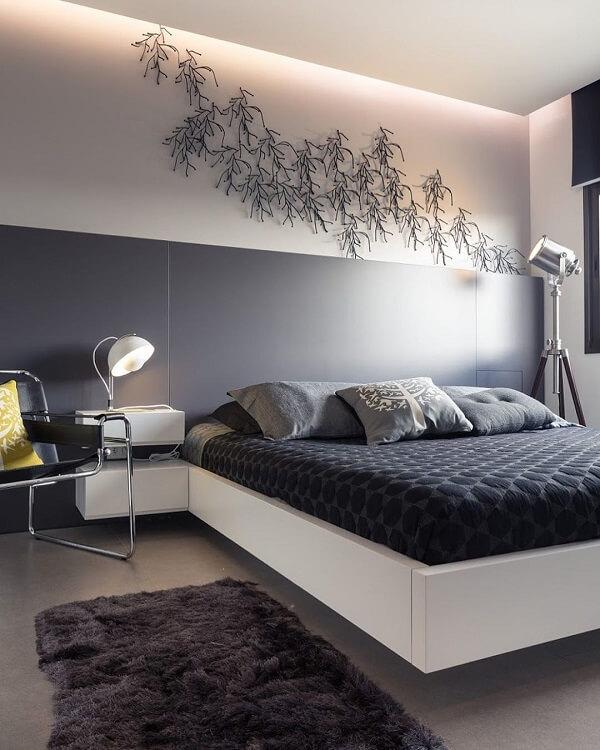 Traga personalidade para o dormitório incluindo uma escultura de parede