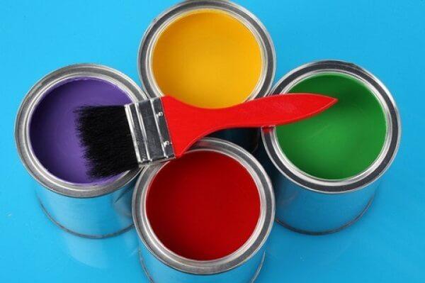 Traga um toque de cor para o ambiente investindo em tintas