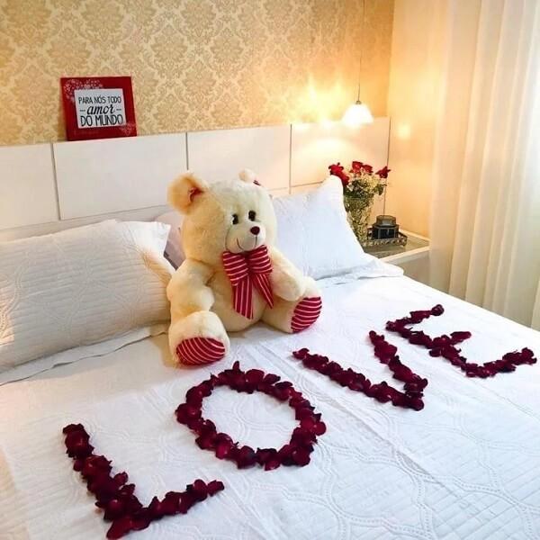 Ursinhos fofos são muito bem-vindos no quarto decorado para dia dos namorados