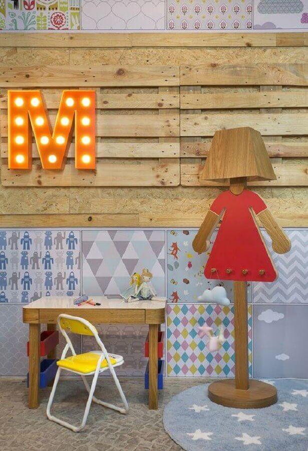 abajur infantil de madeira Foto Pinterest