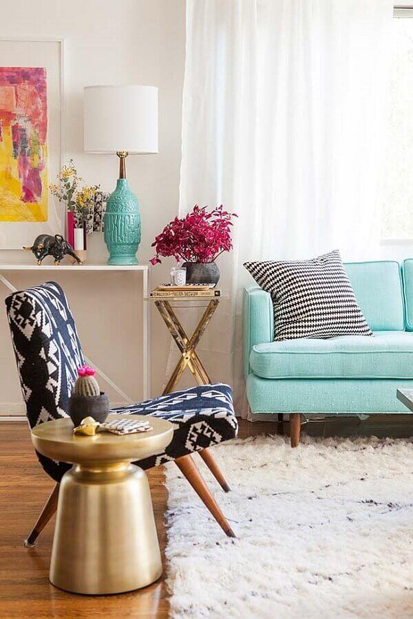 abajur para sala decorada com sofá azul claro Foto Yandex