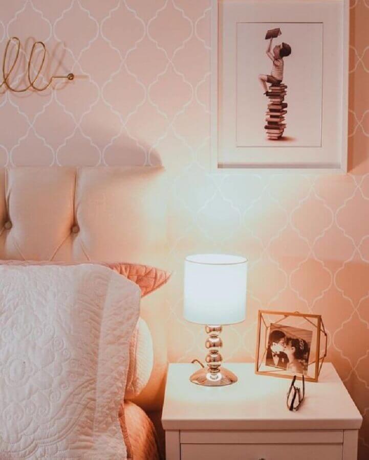 abajur pequeno para quarto rosa e branco Foto Pinterest