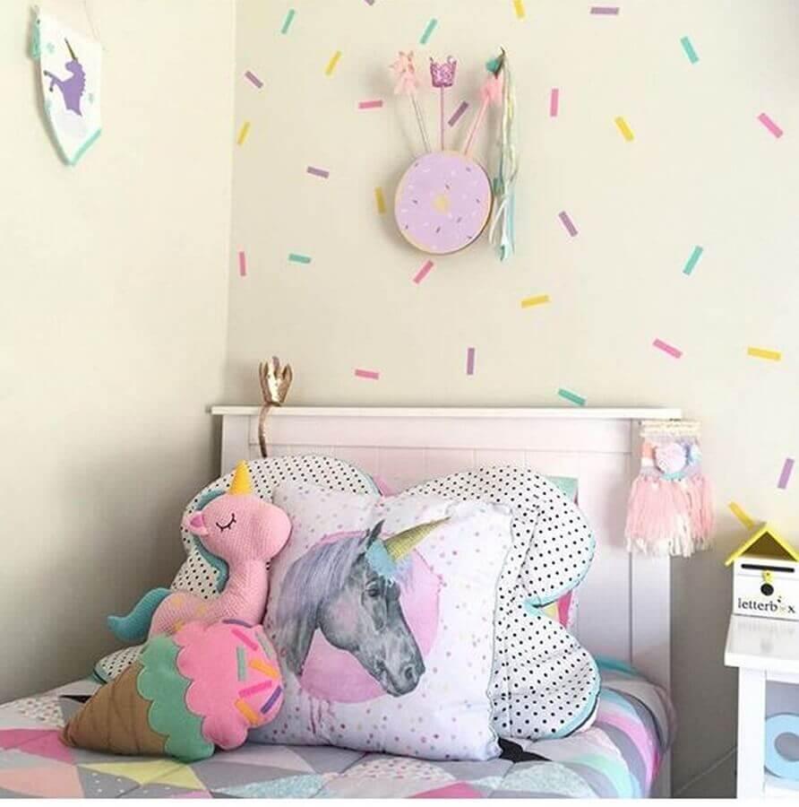 adesivos de parede coloridos para decoração de quarto de unicórnio Foto Pinterest