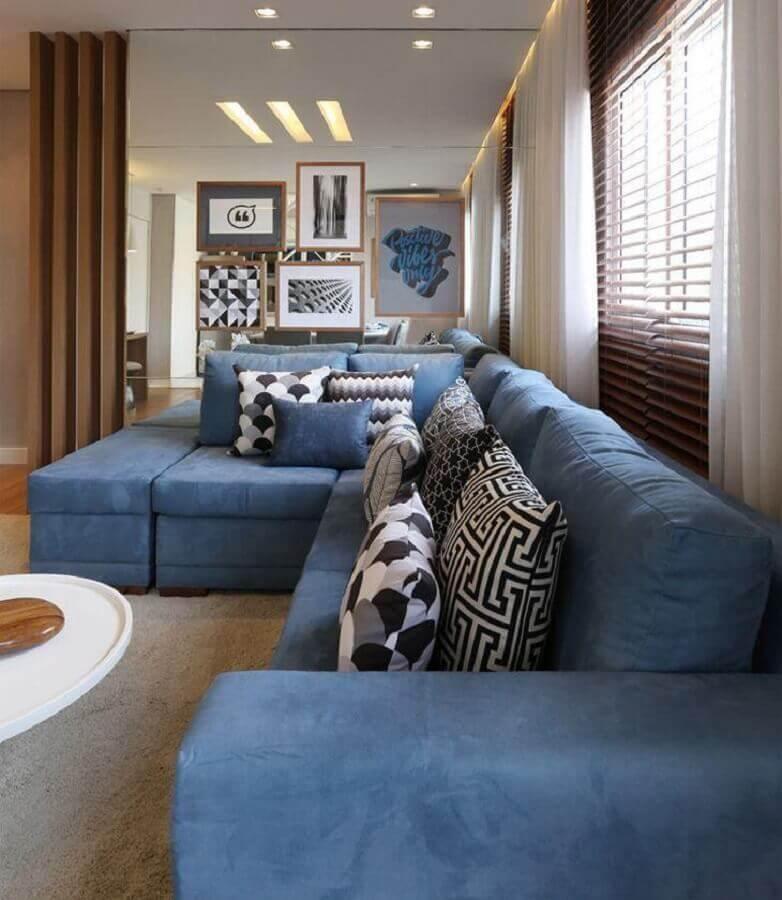 almofadas decorativas para sala com sofá azul de canto Foto Carolina Ouro