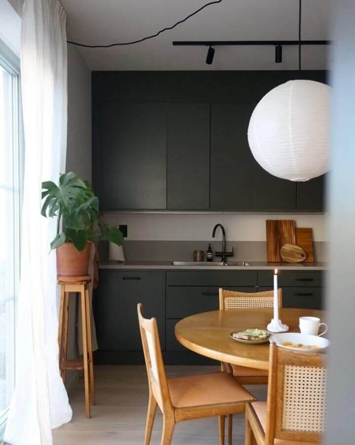 armários de cozinha planejados na cor cinza chumbo Foto Futurist Architecture