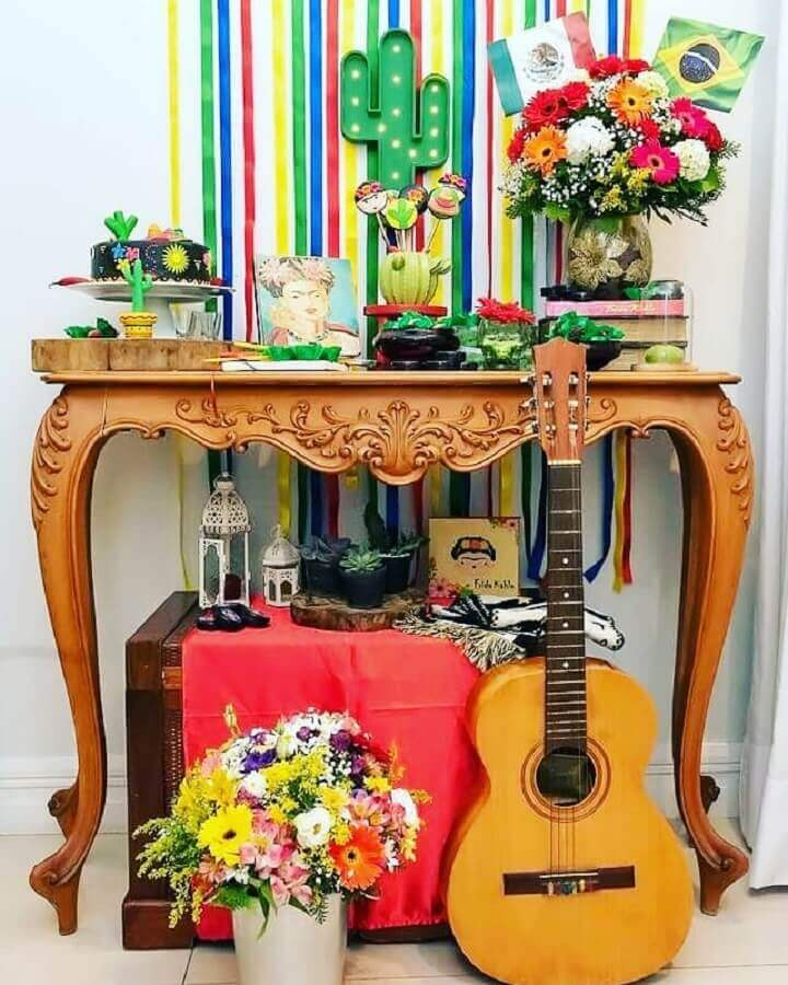 colorful flower arrangements for Mexican party decoration Photo Pinterest