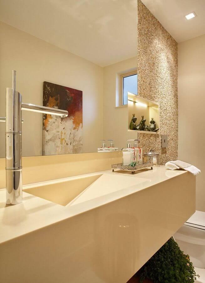 bancada de banheiro com pia esculpida na cor creme Foto Pinterest