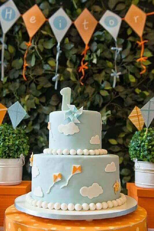 decorated cake for kite and catavento themes Foto Pinterest