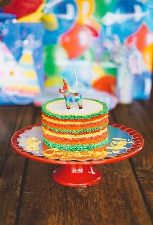 bolo festa mexicana com pinhata no topo Foto 100 Layer Cakelet