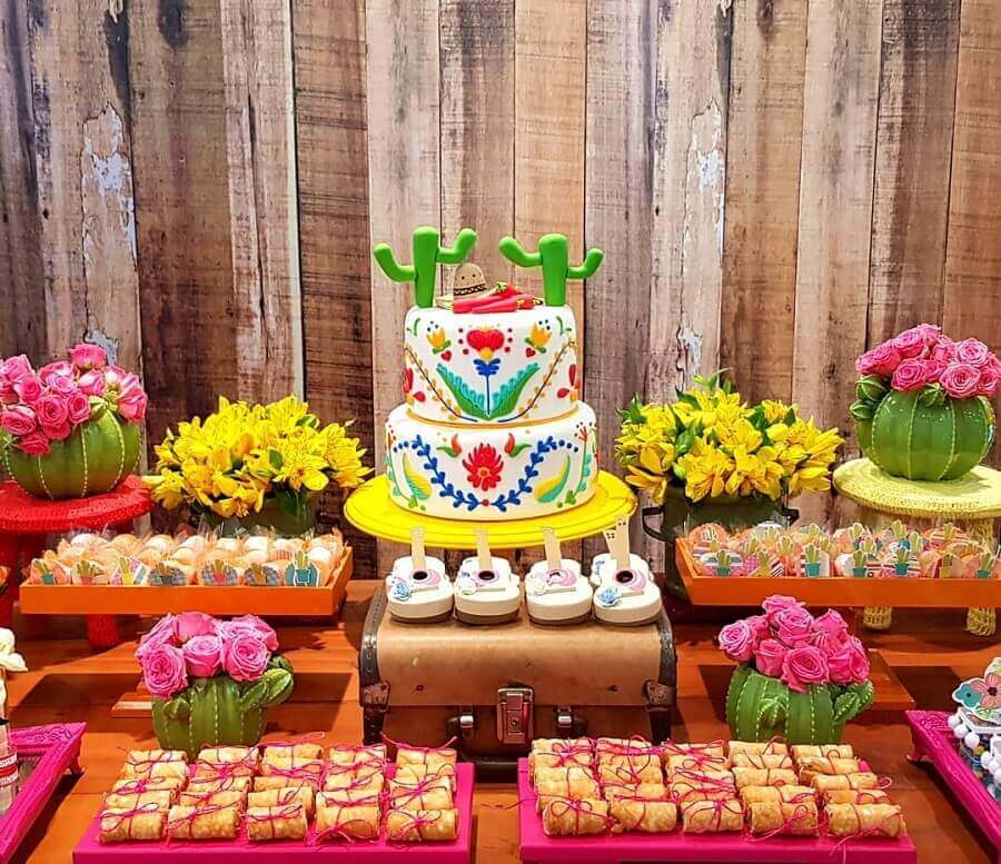 beautiful mexican party cake for a very colorful table decoration Photo In the Party Village