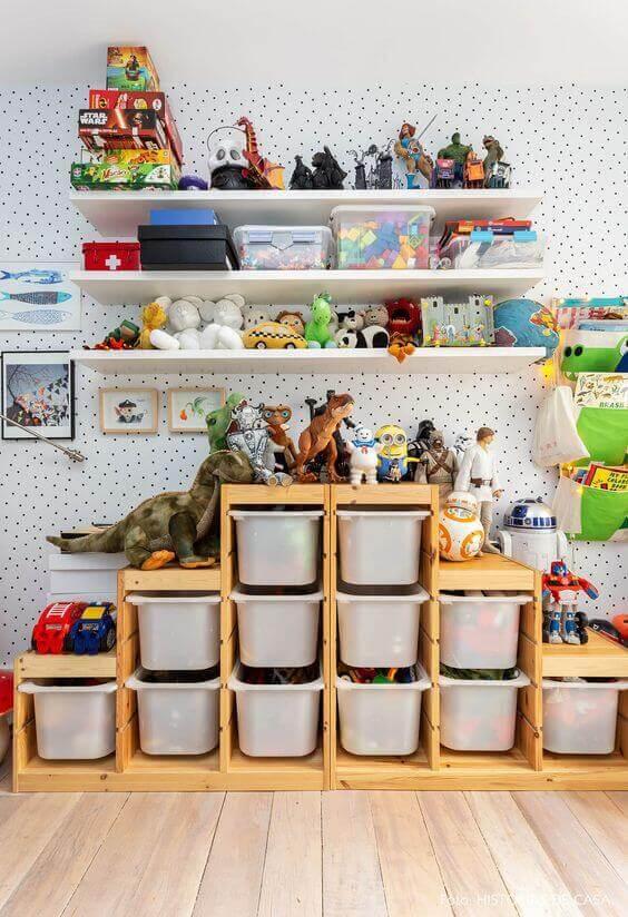 Brinquedoteca com guarda roupa infantil