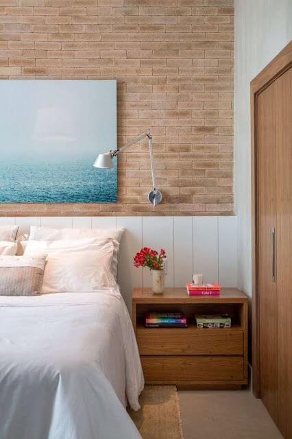 Cabeceira de madeira branca para quarto de casal