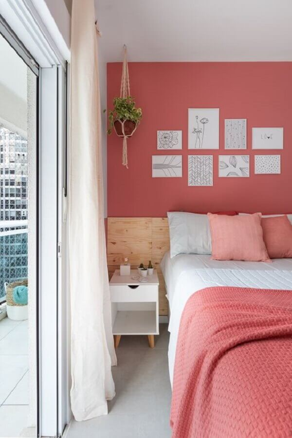 cabeceira de madeira para decoração de quarto de solteiro feminino rosa Foto Apartamento 203