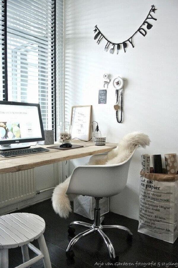 cadeira de escritório com rodinhas branca Foto Adoro Home Office