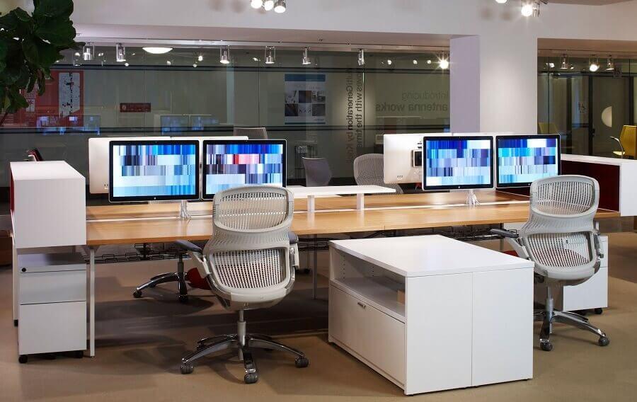 cadeira de escritório ergonômica com design moderno Foto Architizer