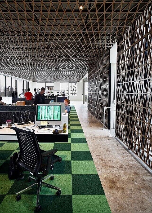 cadeira de escritório preta com tela no encosto Foto Futurist Architecture