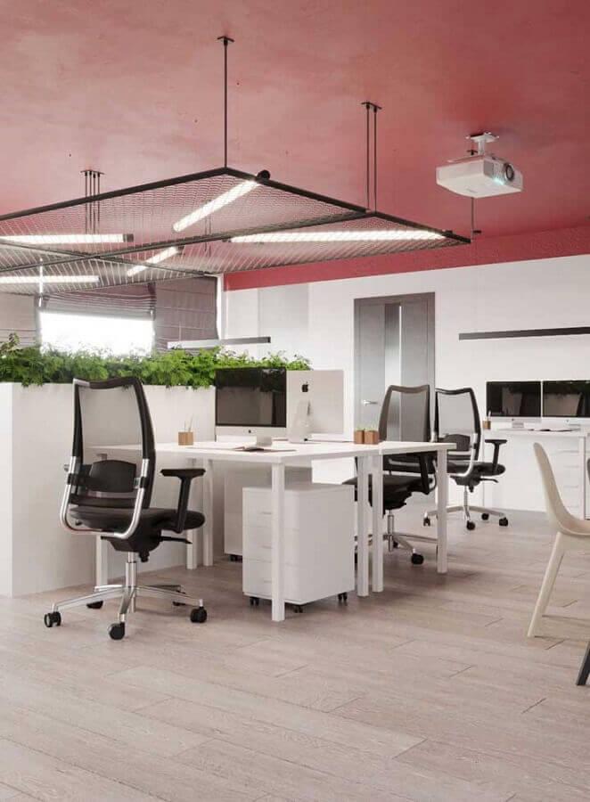 cadeira de escritório preta moderna com encosto de tela Foto Behance