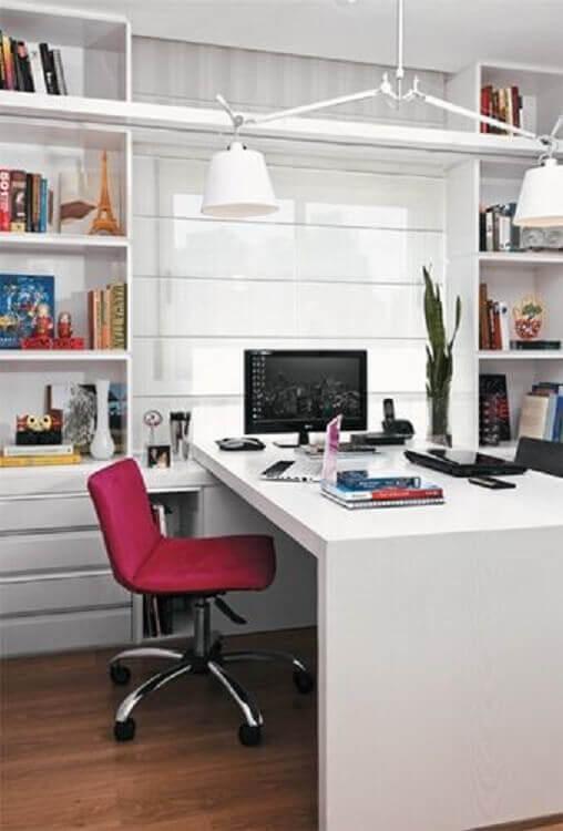 cadeira de escritório rosa Foto Simples Decoração