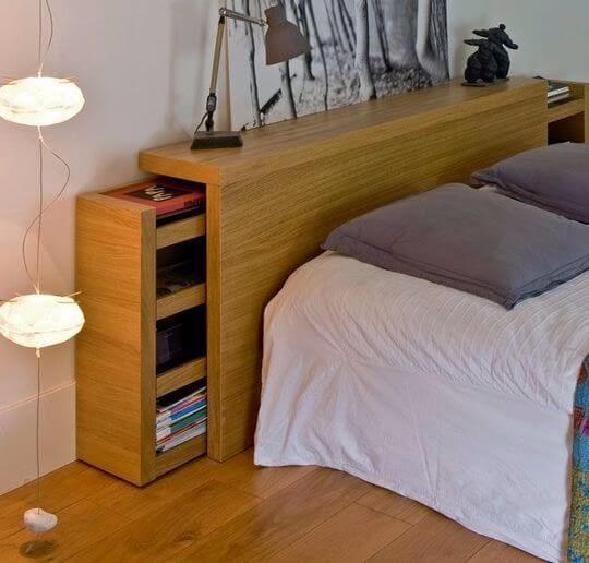 Cama box com cabeceira de madeira e gavetas