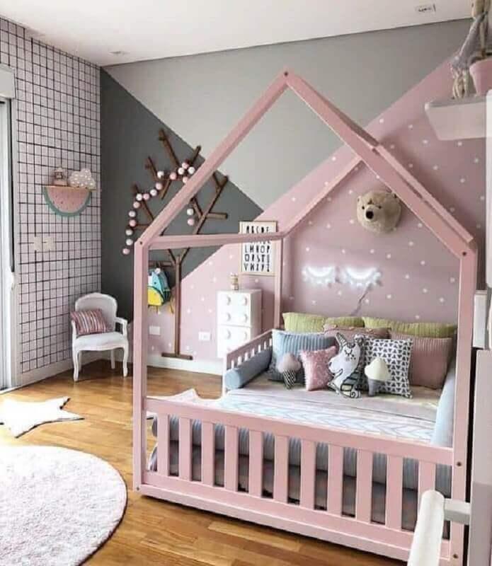 cama casinha rosa para decoração de quarto unicórnio moderno Foto Arquiteta Karla Araújo