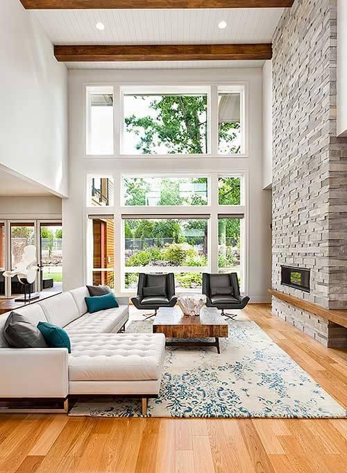 Casa com escada de porcelanato