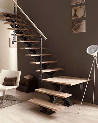Escolha o melhor formato de escada vazada para sua casa