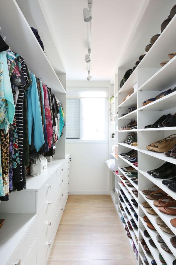 O closet é pratico para seu dia a dia no ambiente