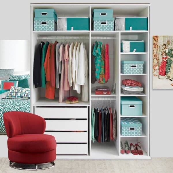 Guarda roupa infantil organizado
