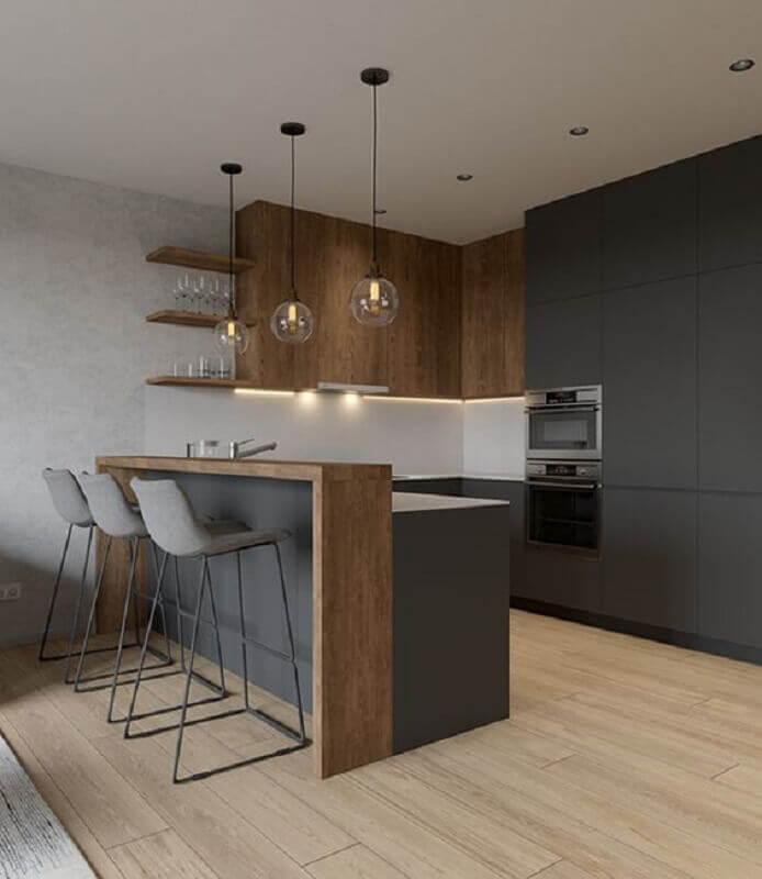 cor cinza chumbo para cozinha planejada moderna com bancada de madeira Foto Behance