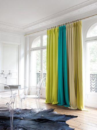 Que tal investir na cortina colorida para sua casa?