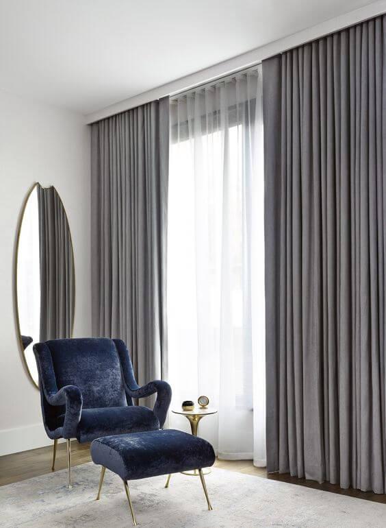 Cortineiro de gesso na sala de estar moderna