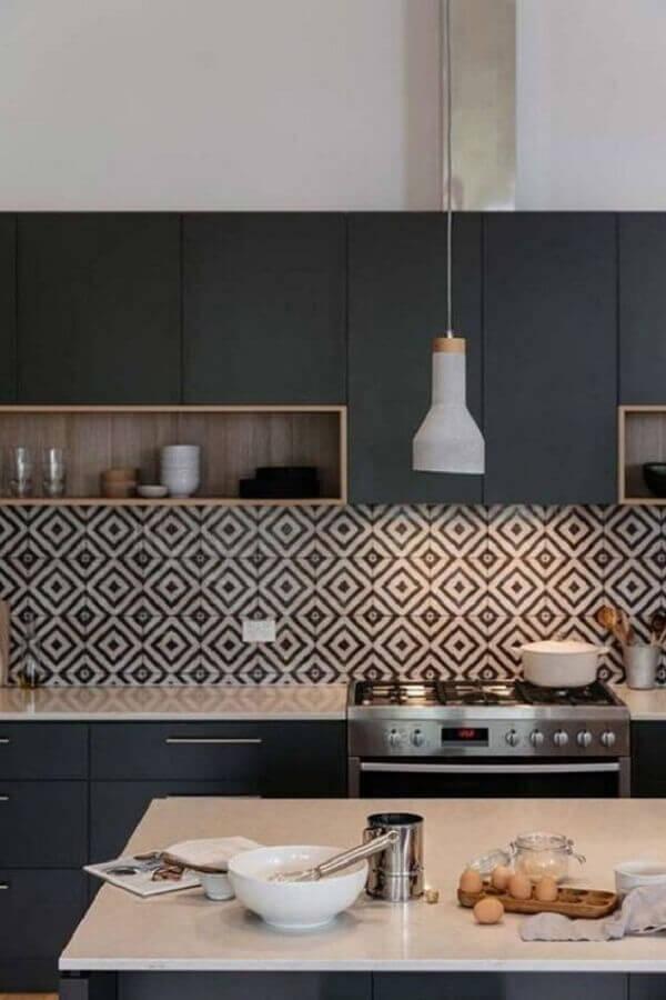 cozinha preta completa com ilha Foto Pinterest