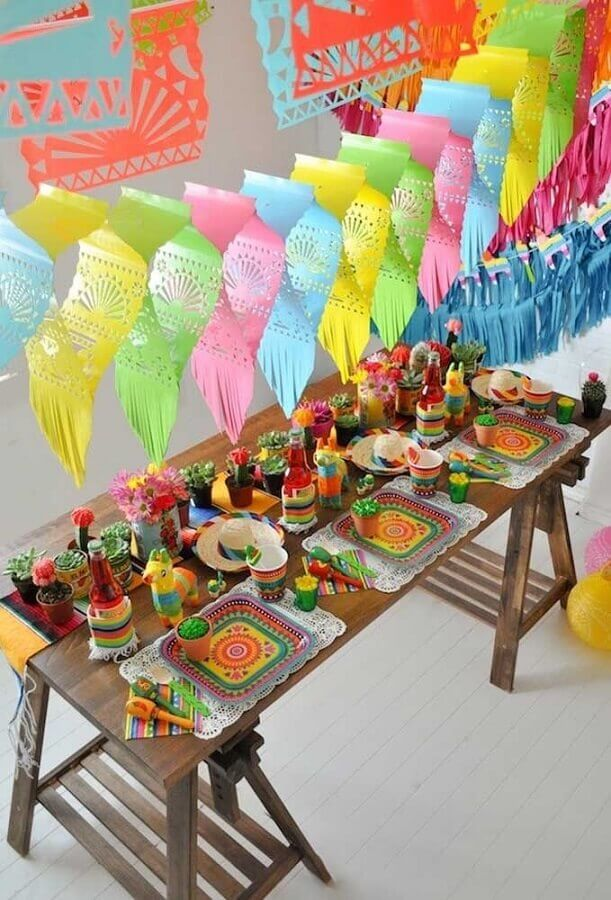 colorful decoration for mexican party Foto Pinterest