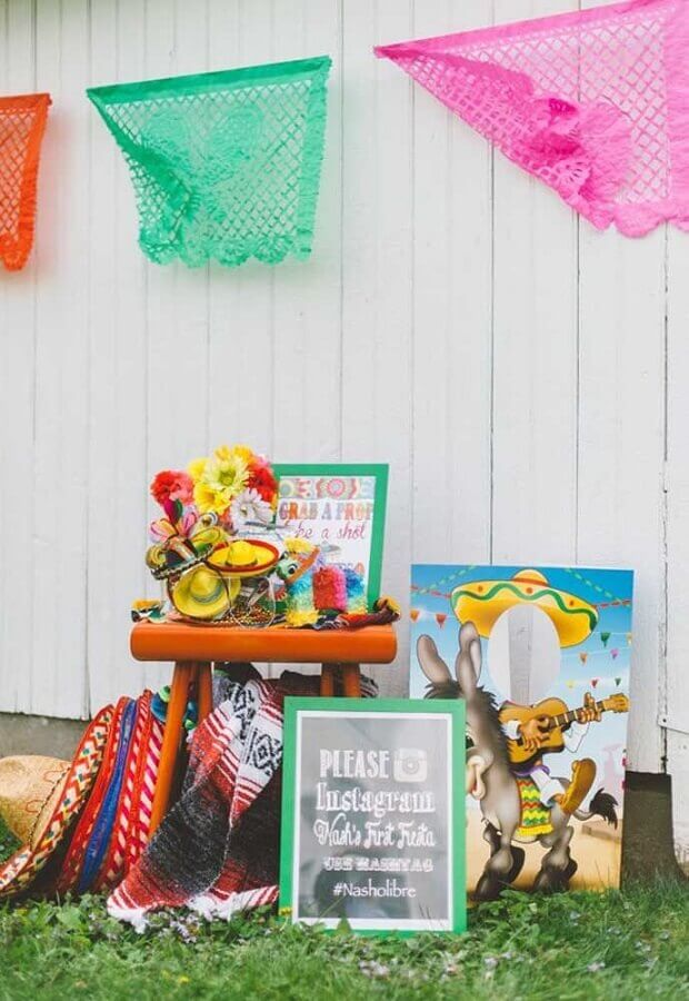 colorful decoration for Mexican outdoor party Photo 100 Layer Cakelet