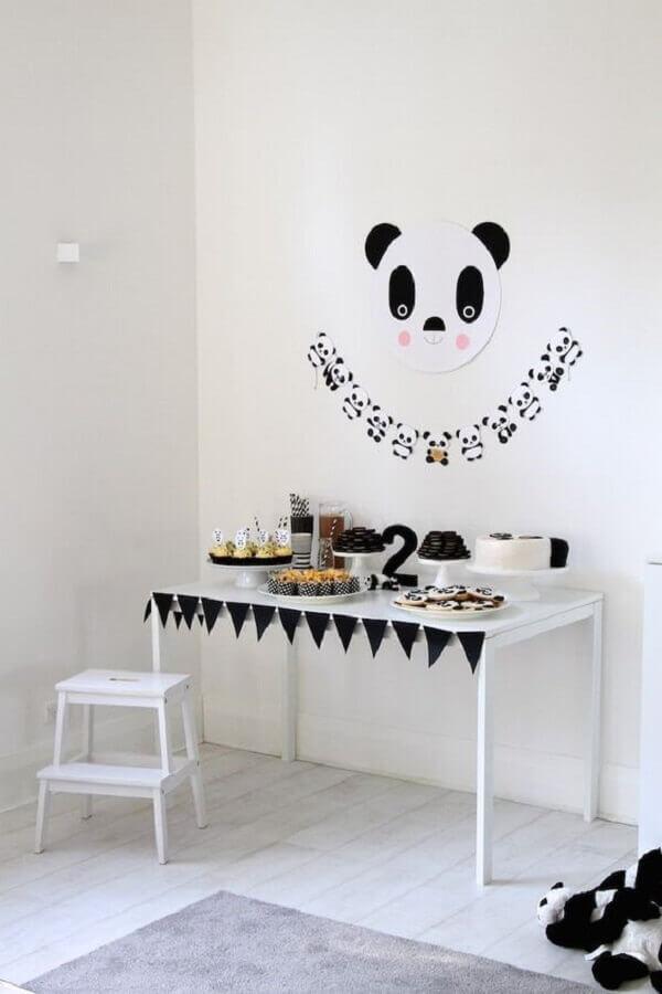 decoração de festa infantil simples e barata com tema panda Foto Karas Party Ideas
