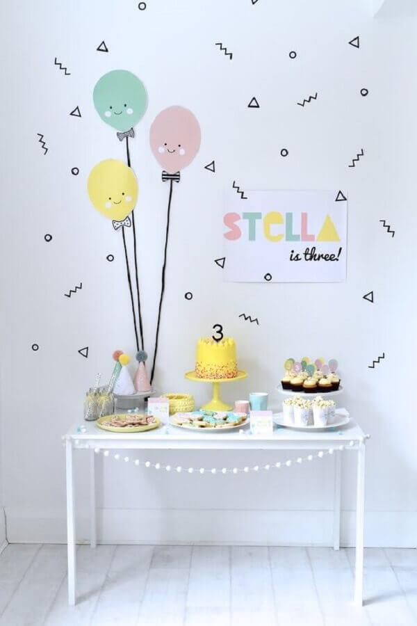 decoração de festa infantil simples e minimalista Foto Pinterest