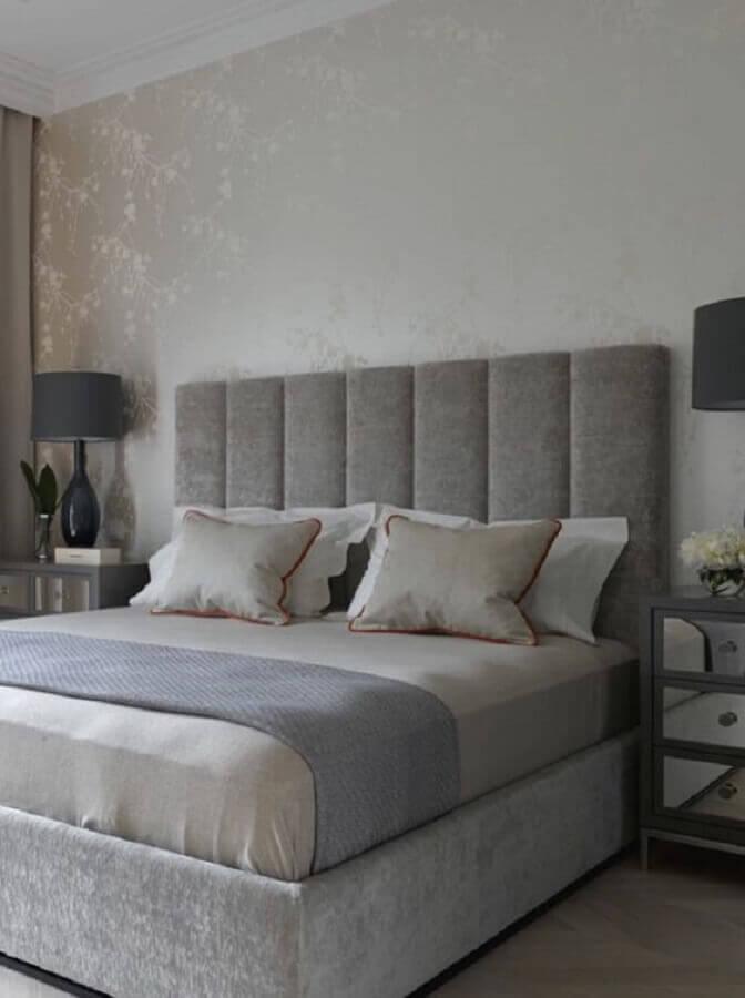 decoração de quarto com cabeceira casal cinza estofada Foto Futurist Architecture