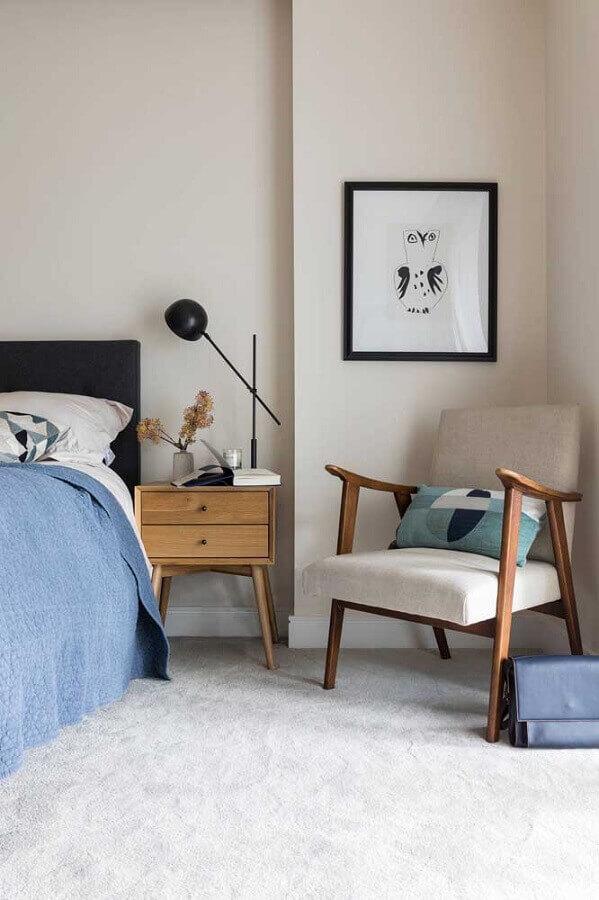 decoração de quarto de solteiro feminino com poltrona de madeira Foto Houzz