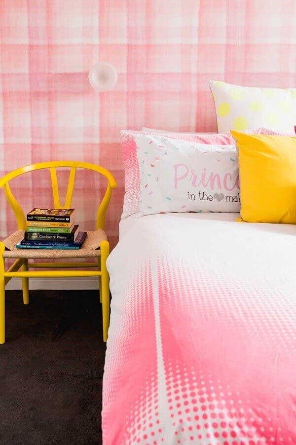 decoração de quarto de solteiro feminino rosa e amarelo Foto Archello
