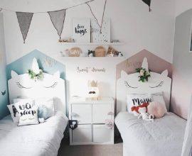 decoração de quarto de unicórnio simples com 2 camas  Foto Crafted Pine