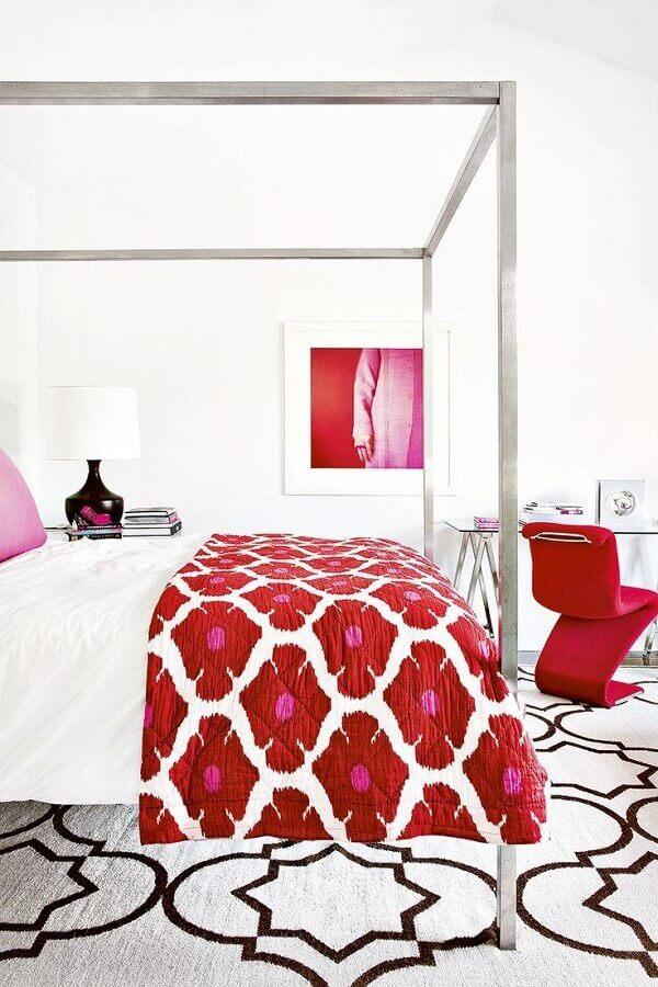 decoração de quarto feminino de solteiro branco e vermelho Foto Pinterest