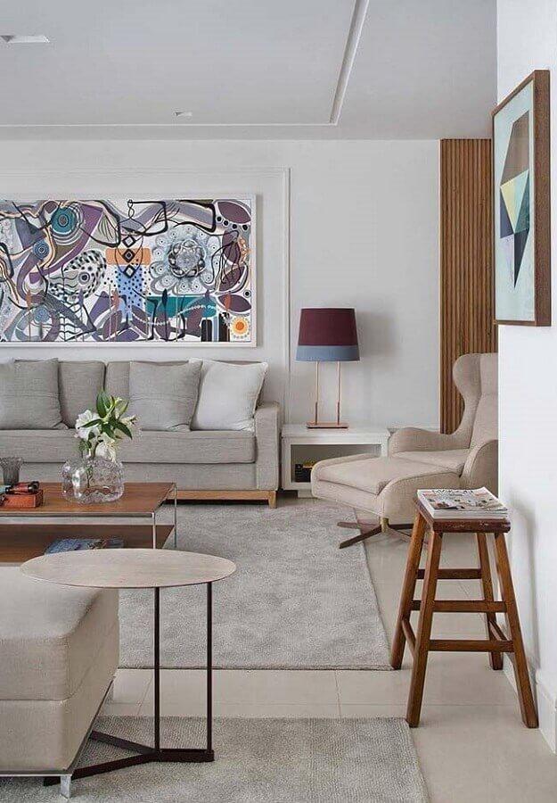 decoração em tons neutros para sala com abajur diferente Foto Behance