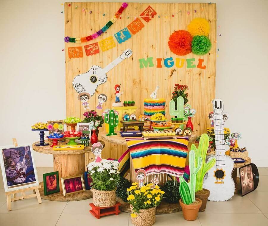 decoration Mexican children's party with wooden panel Photo Clappy Parties