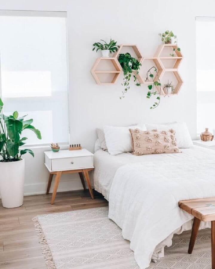 decoração minimalista com vasos de plantas para quarto simples e bonito Foto Om & the City