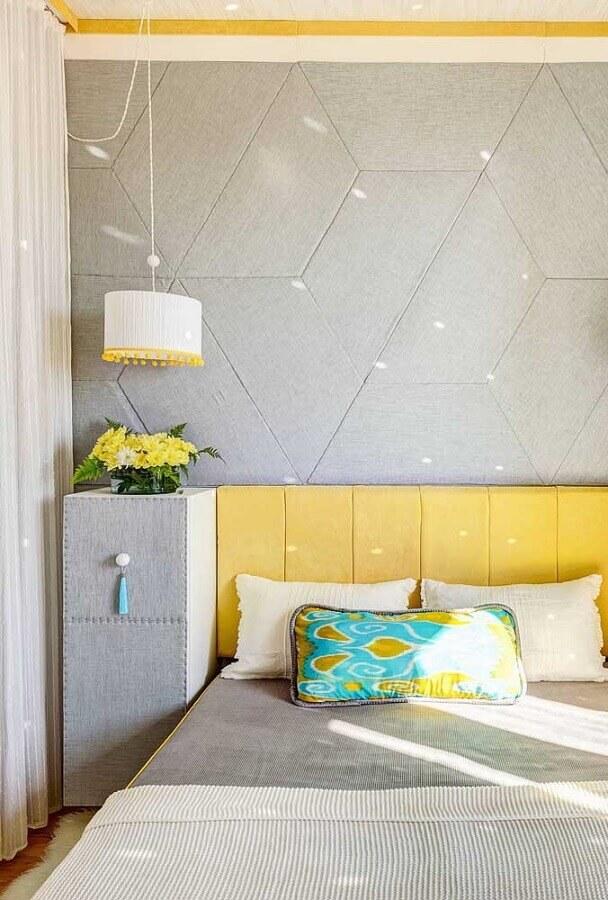 decoração moderna de quarto de solteiro feminino cinza e amarelo planejado Foto Pinterest