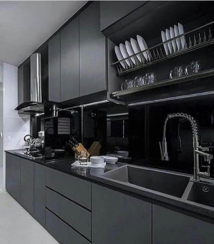 decoração moderna para cozinha planejada na cor cinza chumbo Foto Futurist Architecture