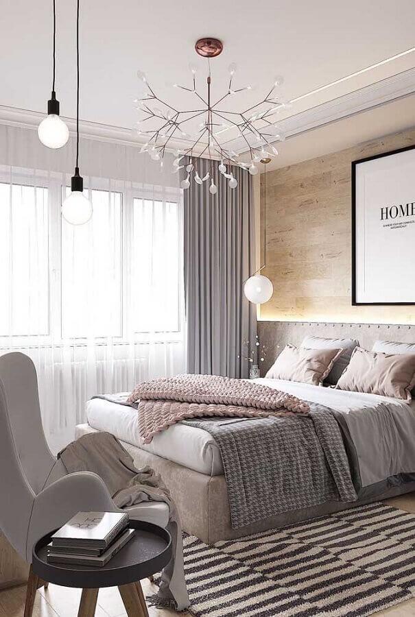 decoração moderna para quarto de casal bonito cinza com revestimento de madeira para parede Foto Futurist Architecture