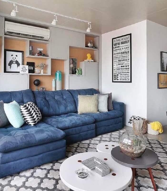 decoração para sala com sofá azul e nichos embutidos  Foto Pinterest