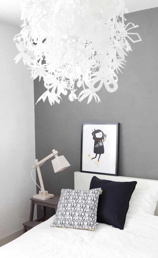 decoração simples com abajur para criado mudo Foto Archzine